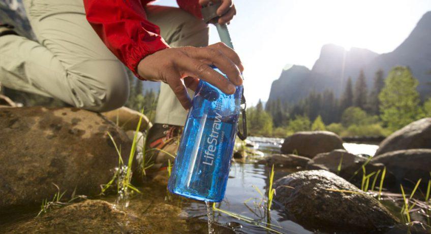 La gourde filtrante, indispensable en camping